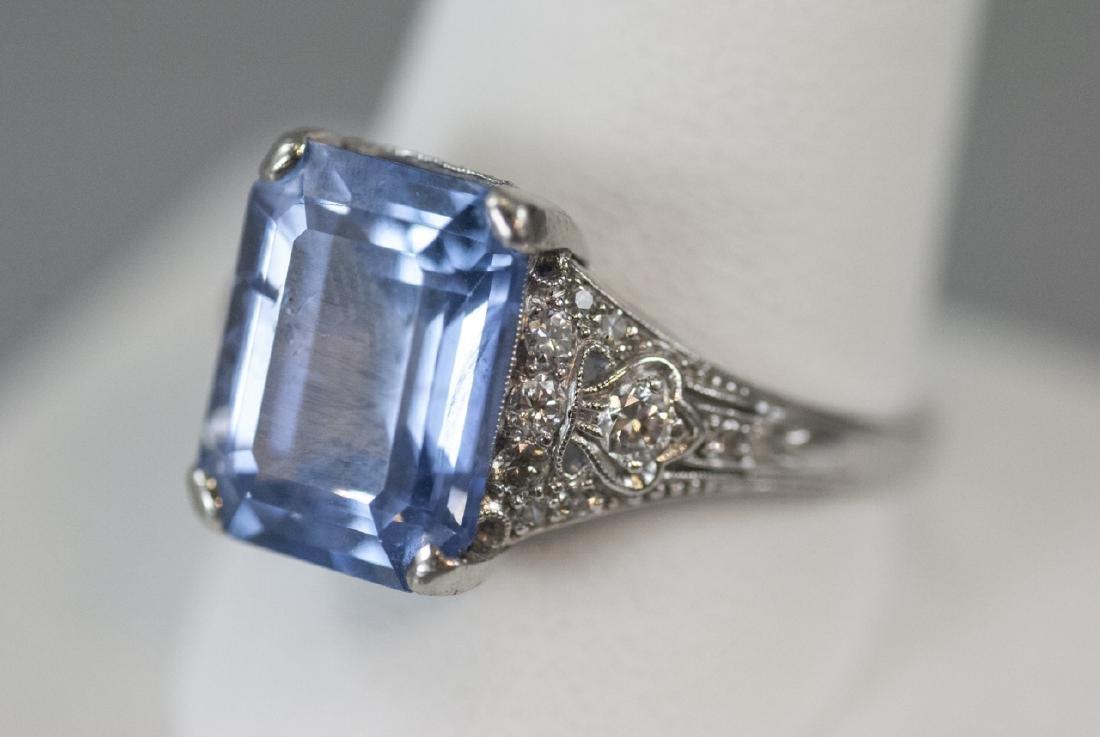 Estate Platinum & 9 Carat Ceylon Sapphire Ring - 4