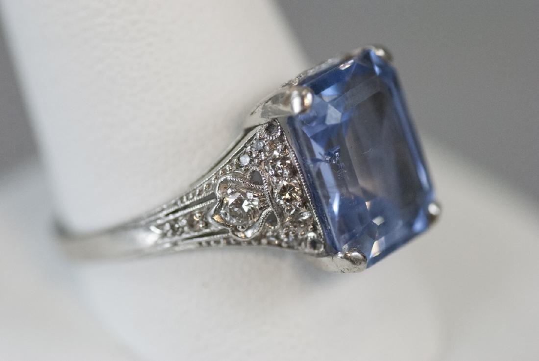 Estate Platinum & 9 Carat Ceylon Sapphire Ring - 5