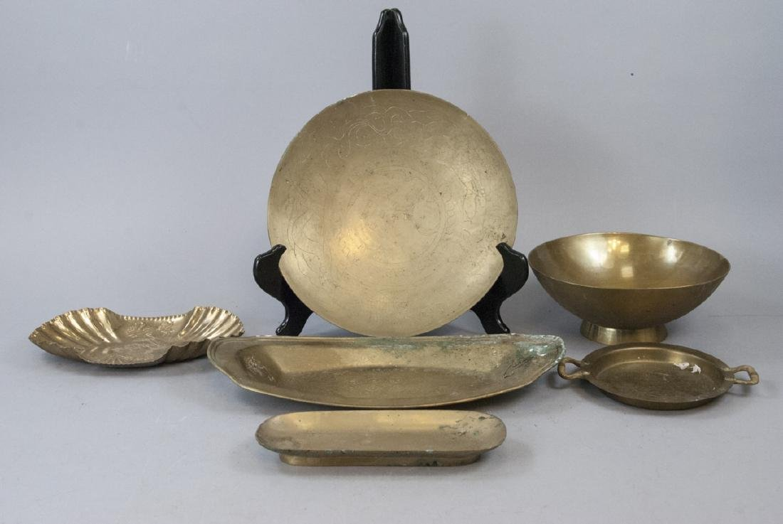 Assorted Of Lot Of Brass Trays & Bowls
