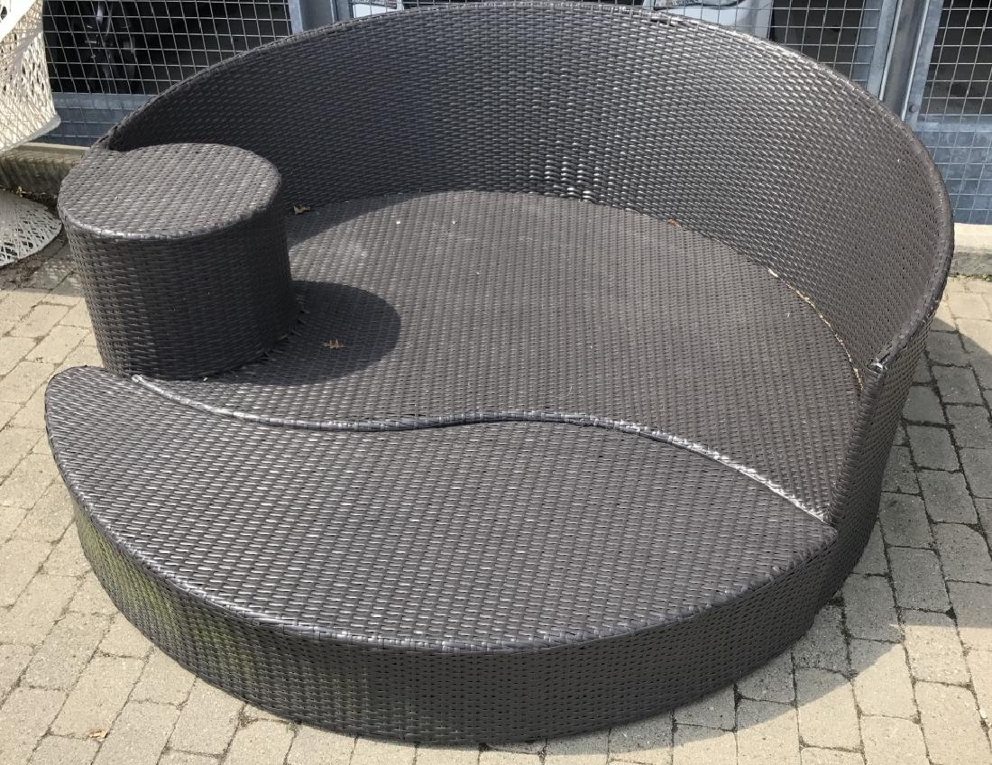 Contemporary Plastic Wicker Round Bench & Ottoman
