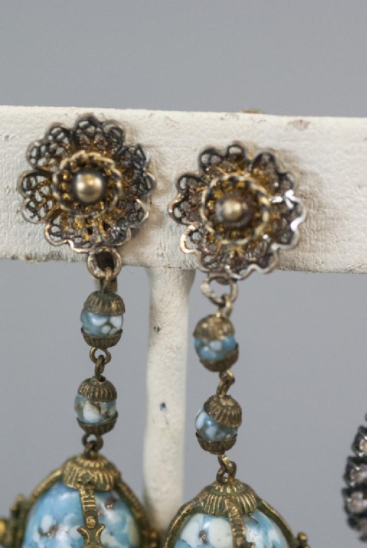 Two Pairs Vintage Art Glass & Rhinestone Earrings - 5