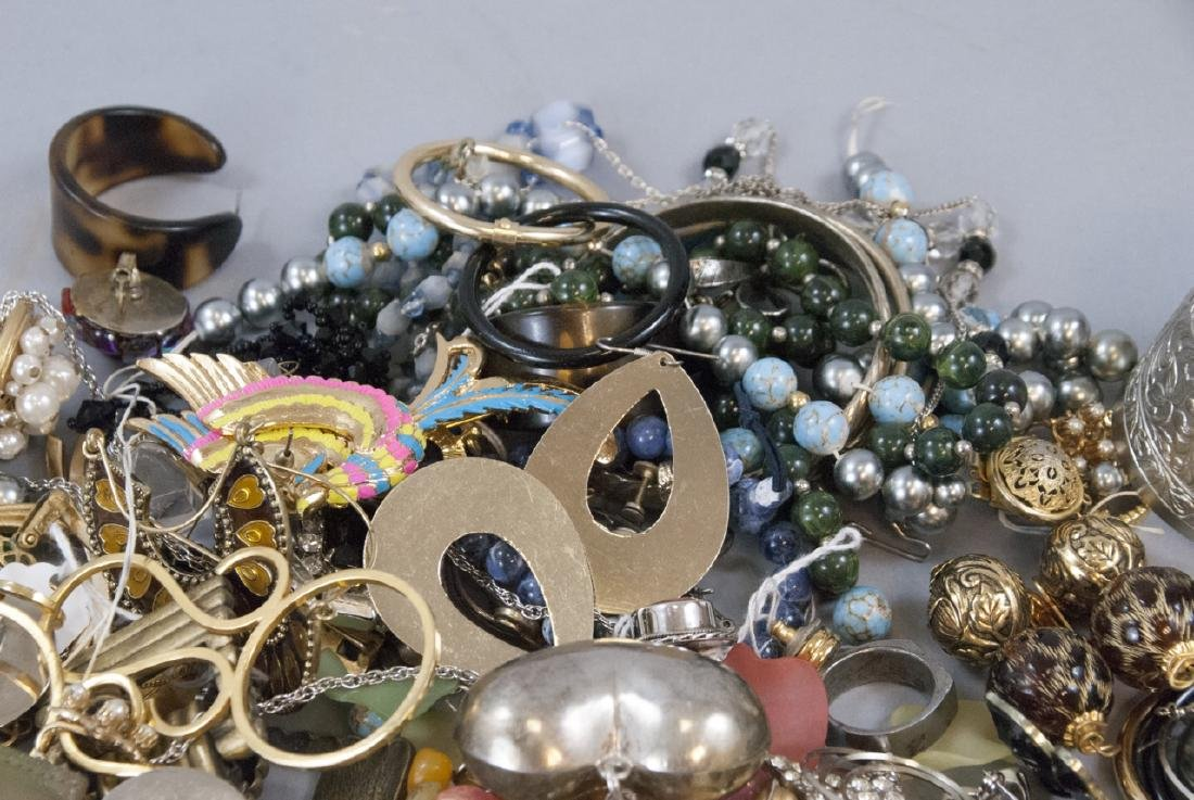 Large Collection of Vintage Costume Jewelry Pieces - 3