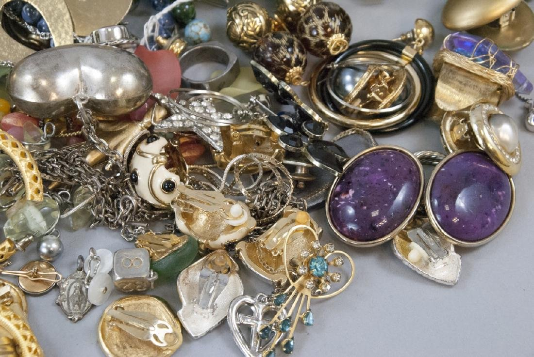 Large Collection of Vintage Costume Jewelry Pieces - 5