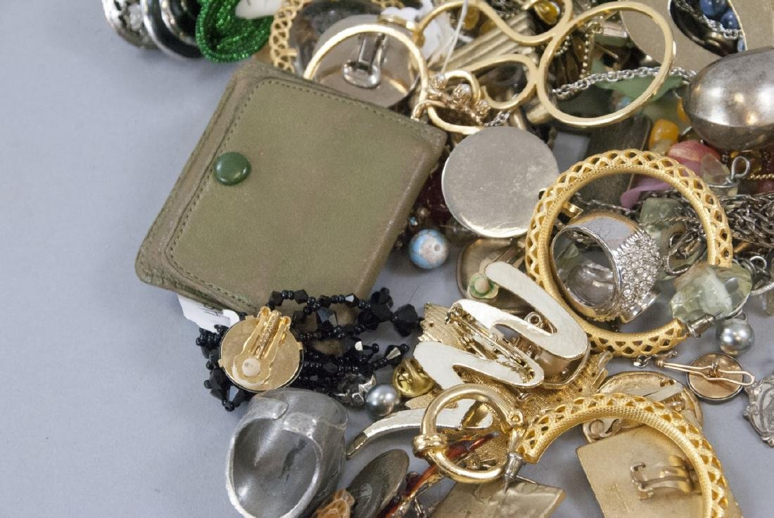 Large Collection of Vintage Costume Jewelry Pieces - 7