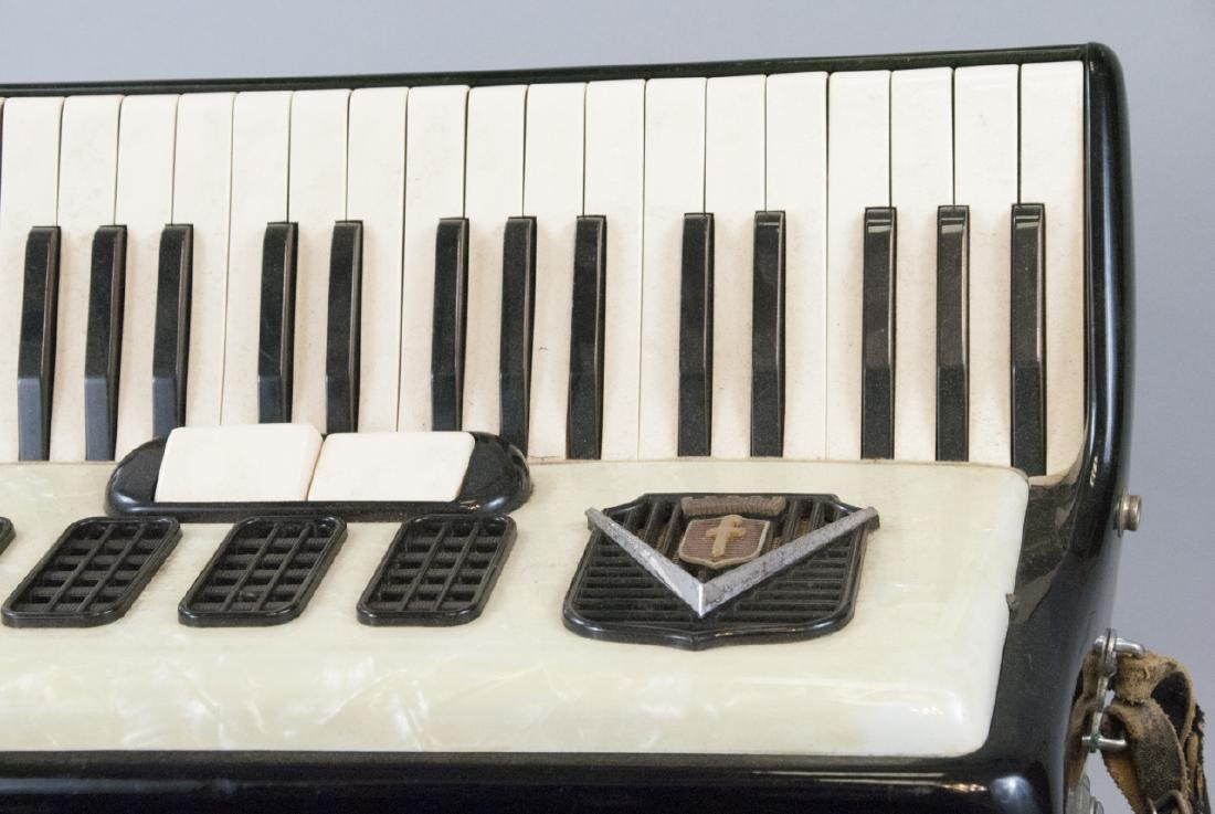 Frontalini Vintage Accordion and Case - 9