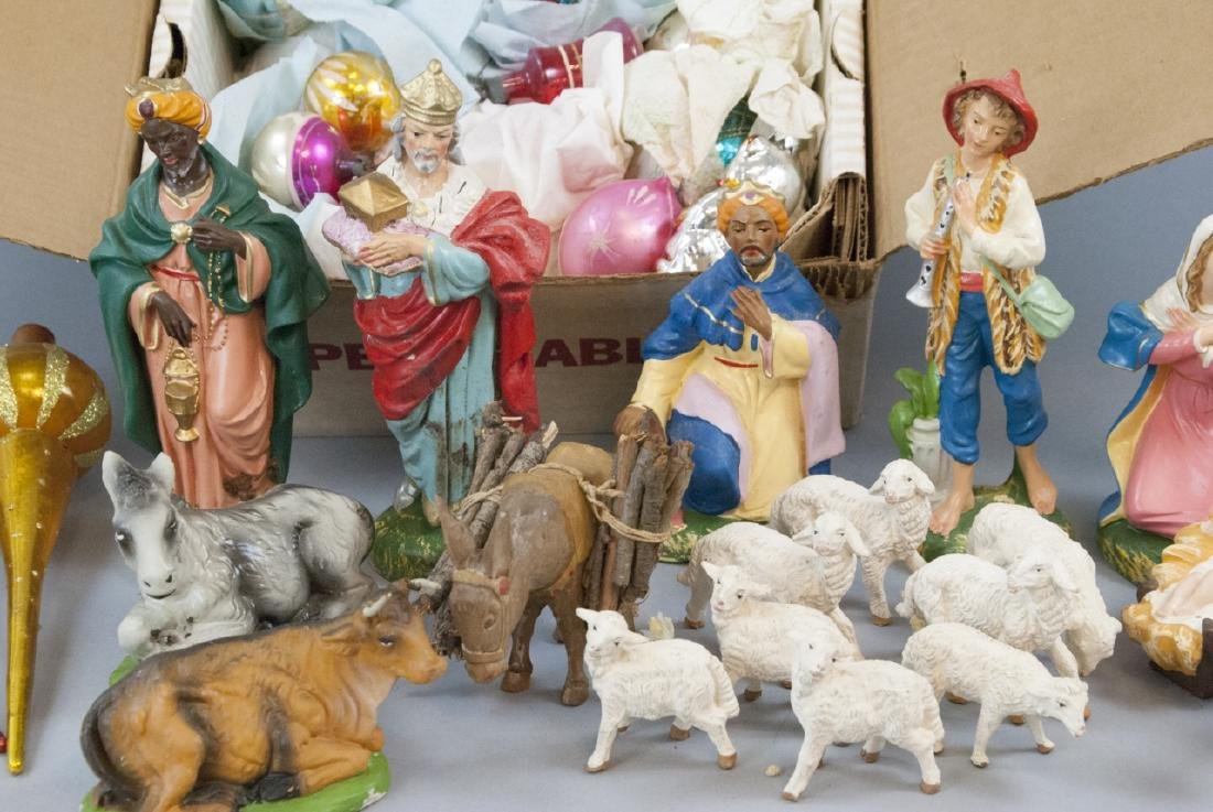 Vintage Christmas Decorations & Ornaments - 8