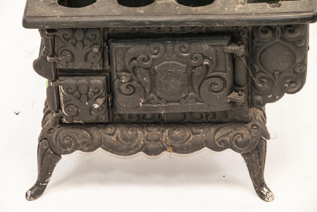 Child Size or Doll Display Toy Cast Iron Stove - 2