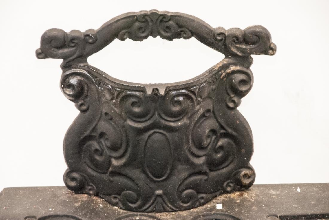 Child Size or Doll Display Toy Cast Iron Stove - 3