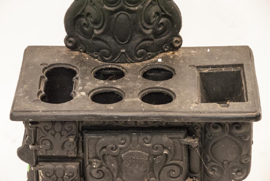 Child Size or Doll Display Toy Cast Iron Stove - 4