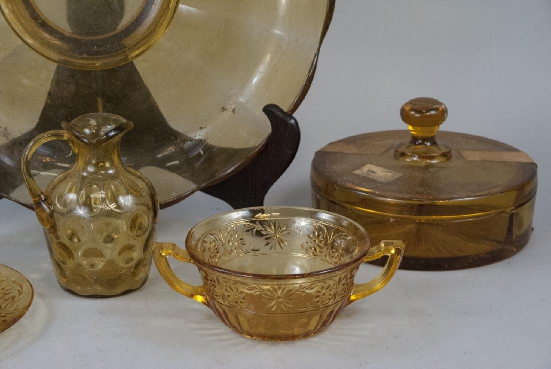 Vintage & Antique Amber Glass Items - 3