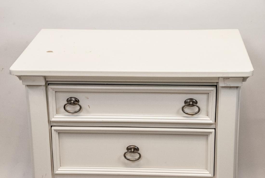 White Wooden  Traditional Nightstand W/ 3 Drawers - 5