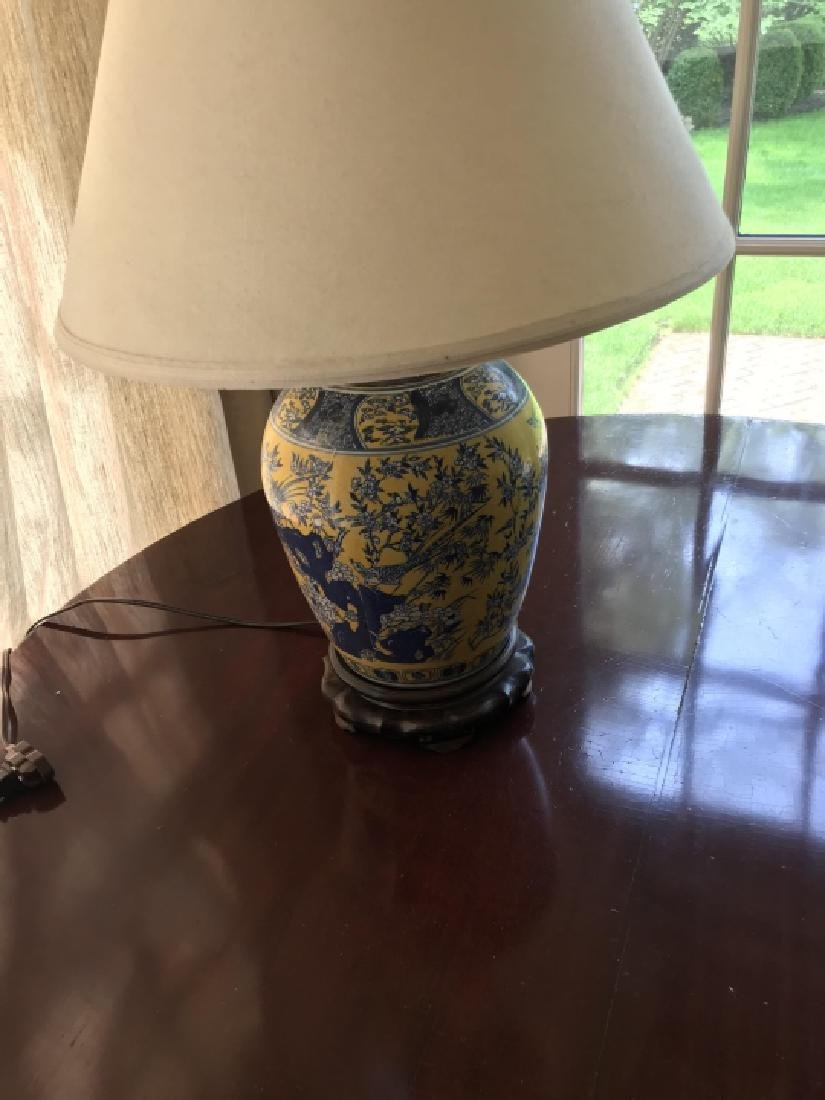 Chinese Hand Painted Porcelain Vase Mount Lamp - 3