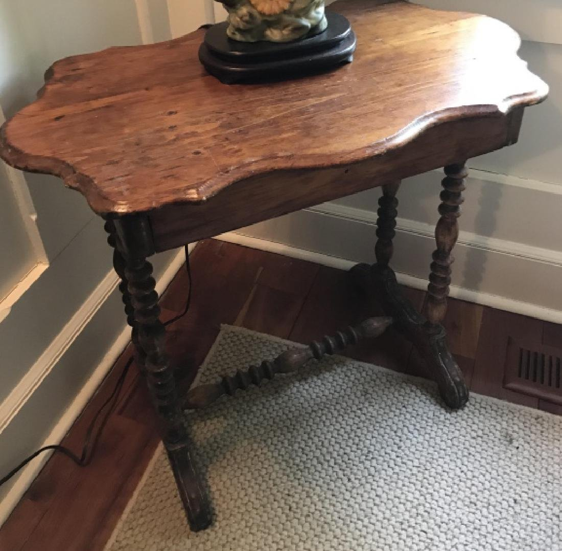 American Country Cottage Style Spindle End Table