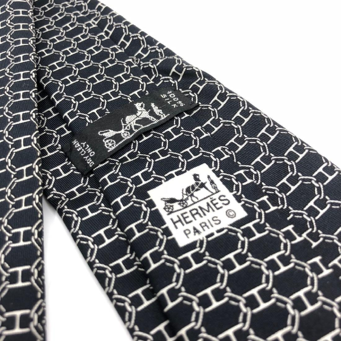 Vintage Authentic Hermes Black & White Men's Tie - 2