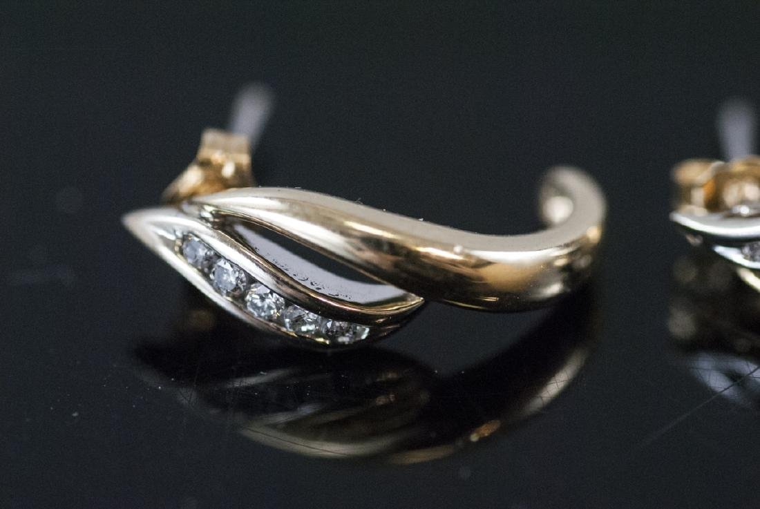 Pair Retro Style 14kt Yellow Gold Diamond Earrings - 9