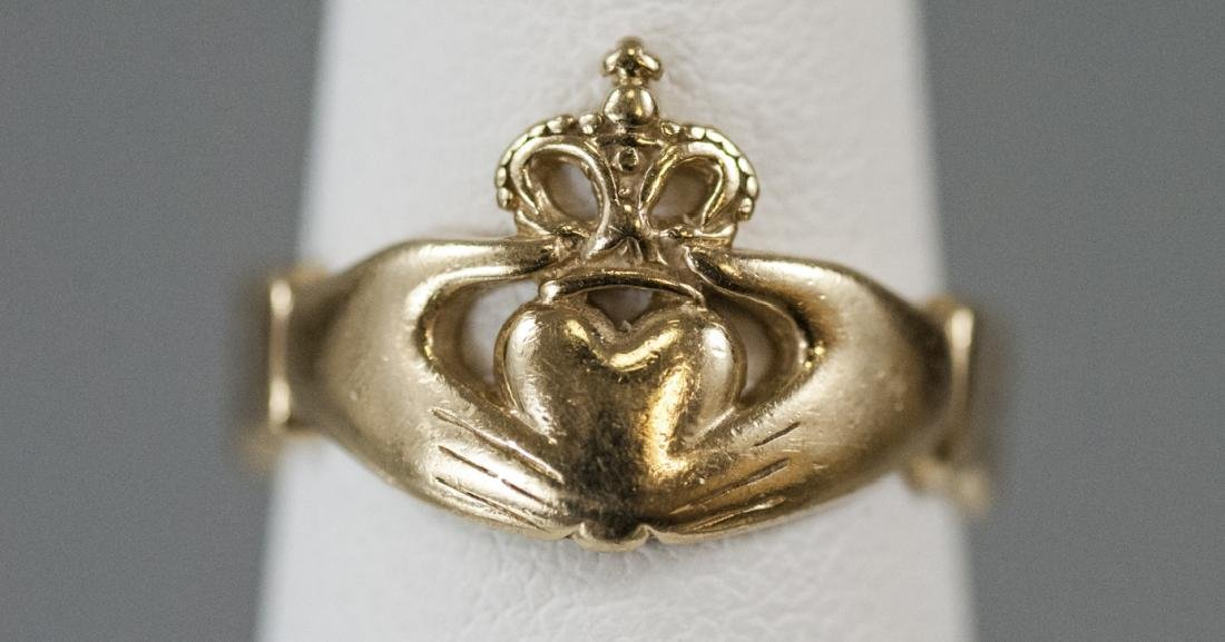 Vintage 14kt Yellow Gold Irish Claddagh Ring