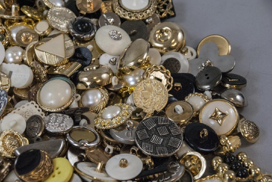 Large Collection of Vintage Clothing Buttons - 3