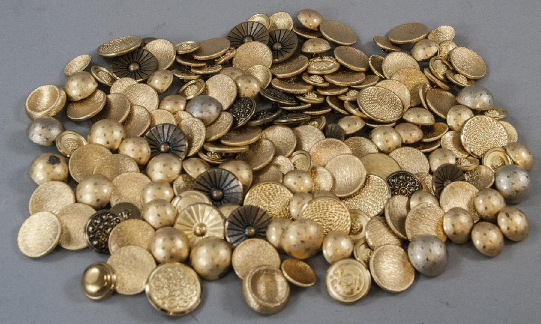Collection Vintage Gold & Brass Tone Metal Buttons