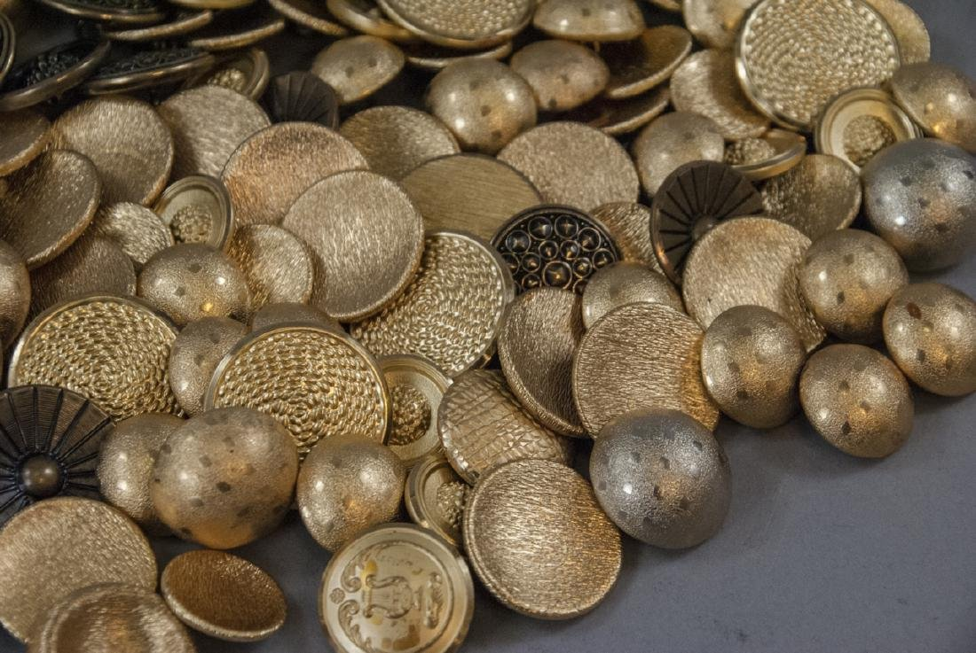 Collection Vintage Gold & Brass Tone Metal Buttons - 5