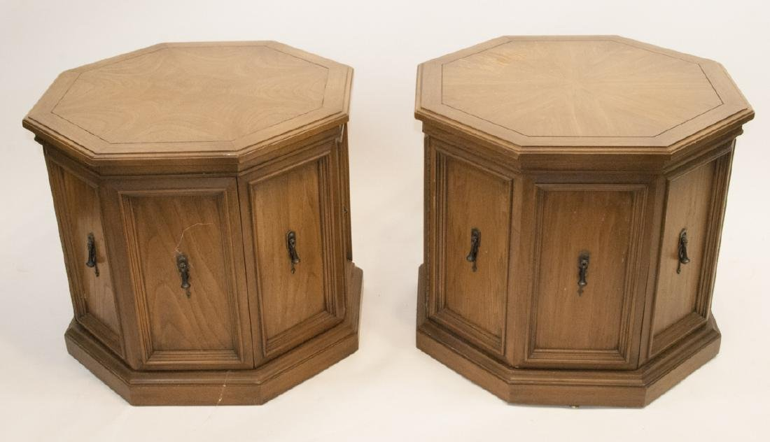 Pair of Mid Century Pedestal Side / End Tables