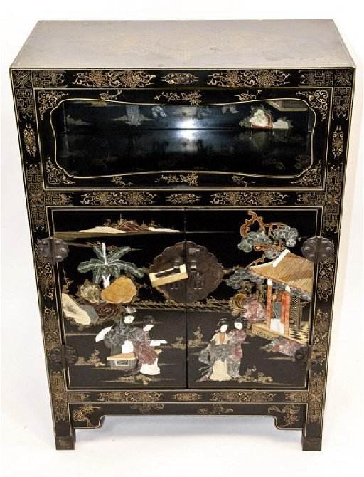 timeless design e4043 151fb Chinoiserie Style Black Lacquer Side Table - Jul 21, 2018 ...