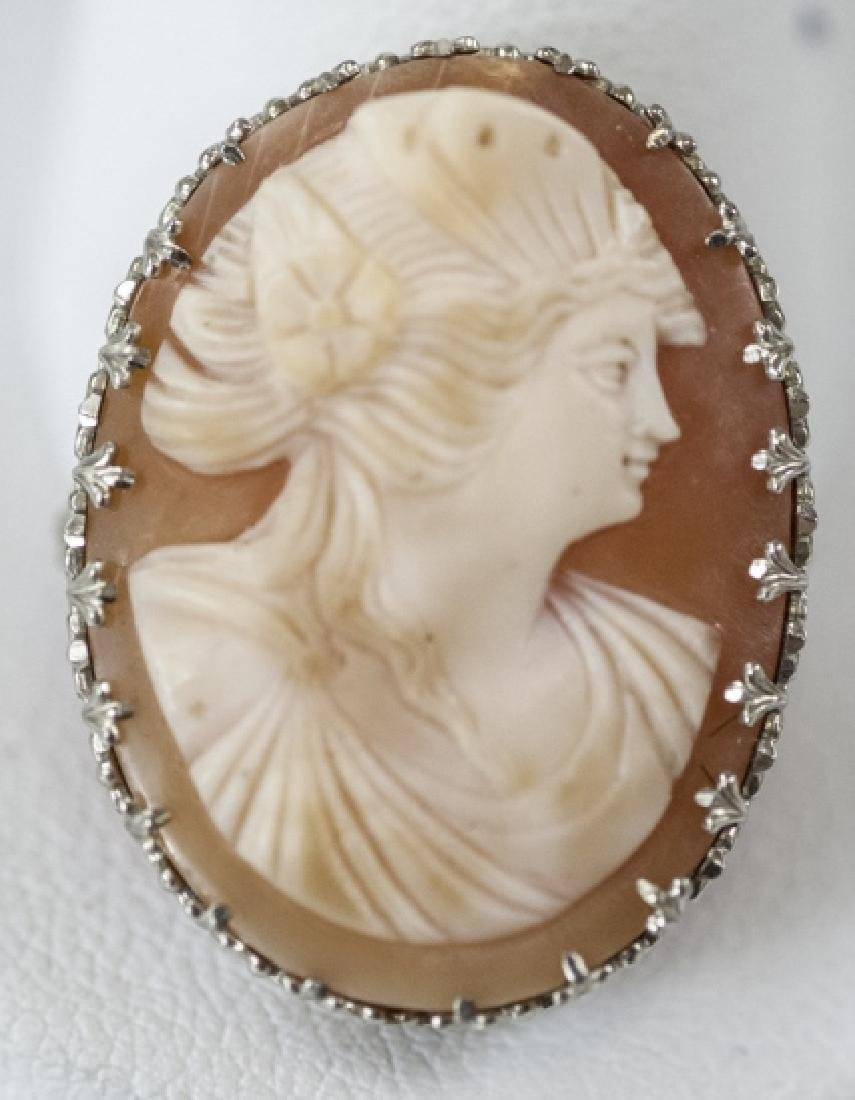 Estate 14kt White Gold Shell Cameo Brooch / Pin