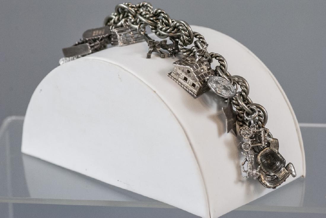 Vintage Sterling Silver Charm Bracelet w Charms - 9