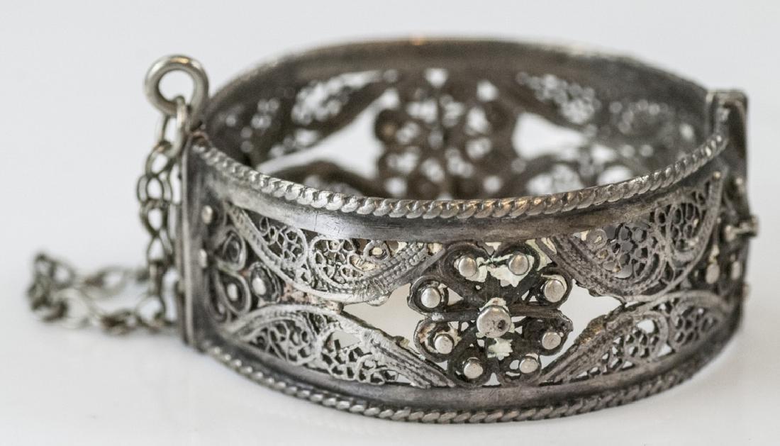 Vintage Silver Filigree Hinged Bangle Bracelet