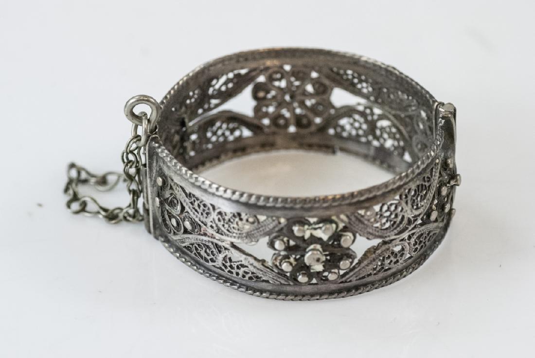 Vintage Silver Filigree Hinged Bangle Bracelet - 2