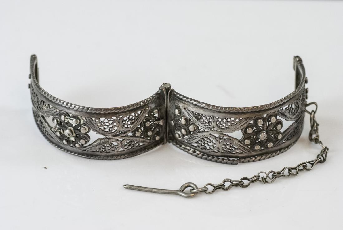 Vintage Silver Filigree Hinged Bangle Bracelet - 4