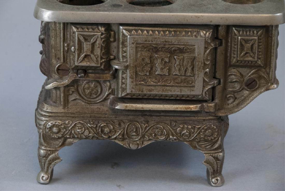 Antique 19th C Doll or Salesman Sample Stove - 4