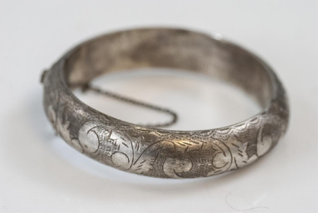 Estate Sterling Silver Hinged Bangle Bracelet