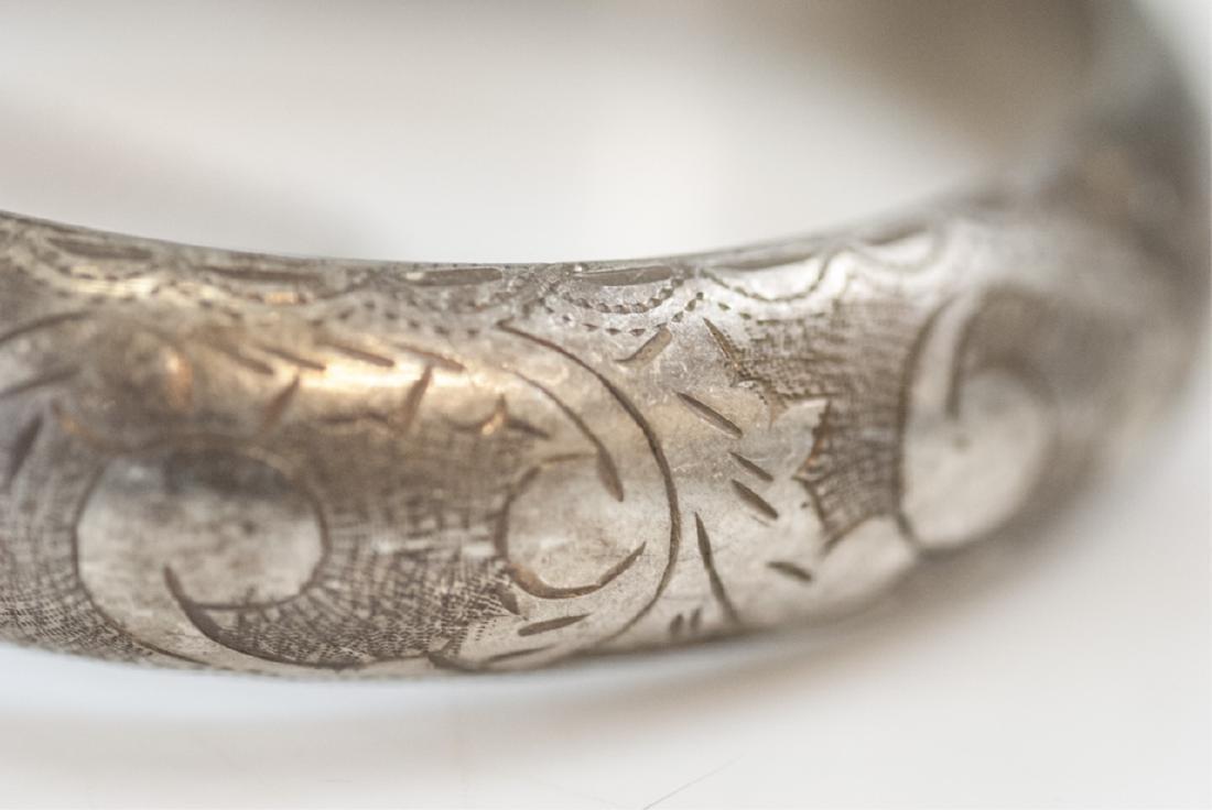 Estate Sterling Silver Hinged Bangle Bracelet - 3