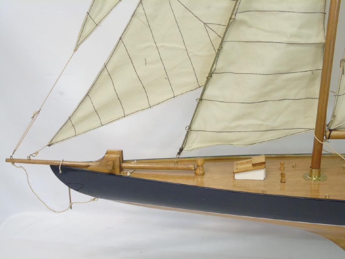 Brand New Navy Blue Model Mahogany Yacht w Sails - 3