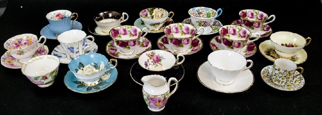 Collection Antique English Tea Cups & Saucers