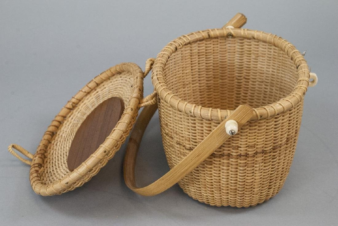 Vintage Nantucket Basket Handbag Carved Whale - 2
