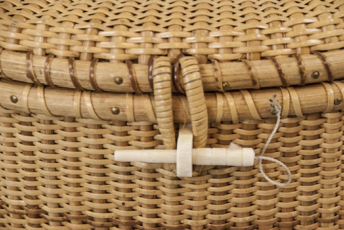 Vintage Nantucket Basket Handbag Carved Whale - 4