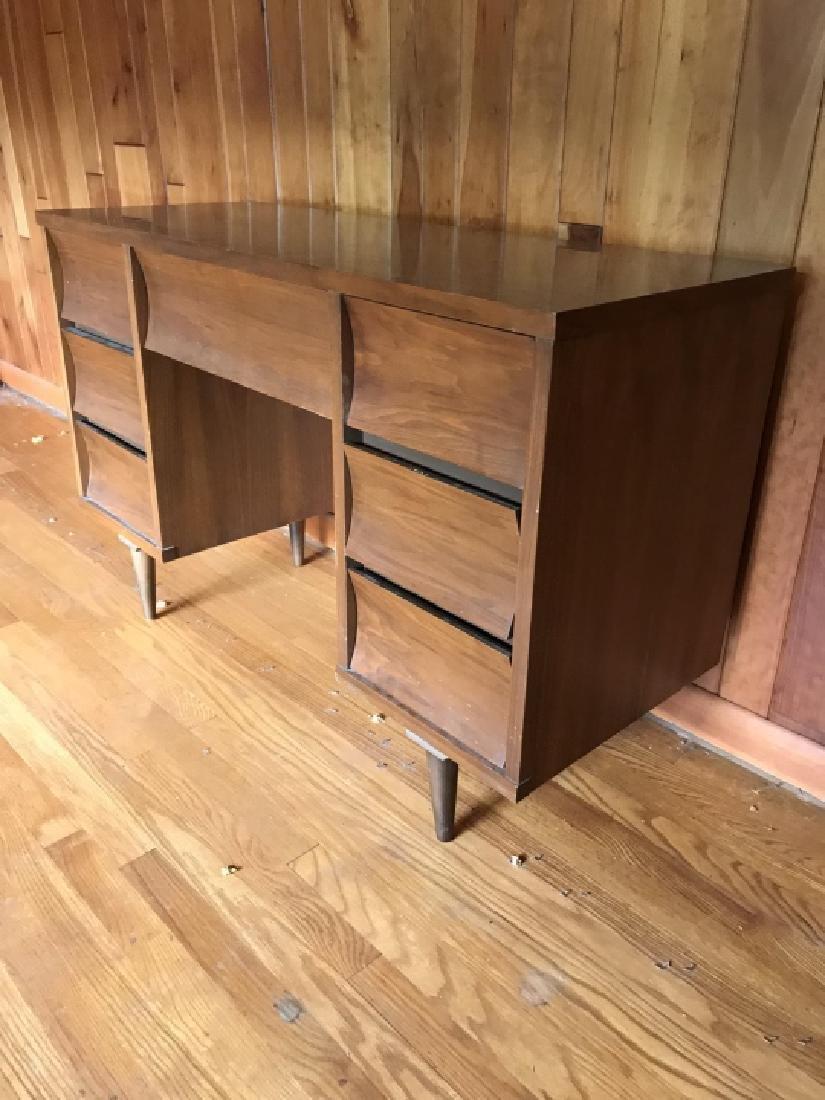 Mid Century Modern Desk w Drawers - 2