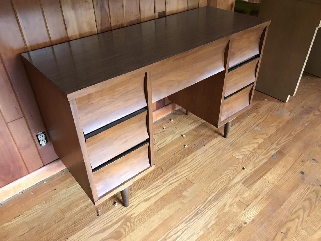 Mid Century Modern Desk w Drawers - 3