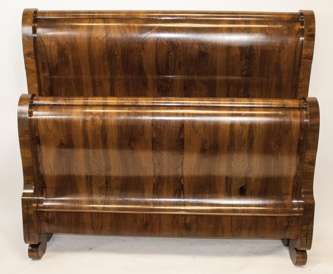 Traditional Style Burled Mahogany Sleigh Bed
