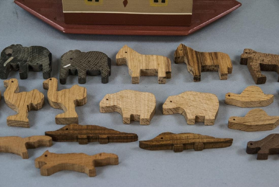 American Folk Art Handmade Noah's Ark w Animals - 3