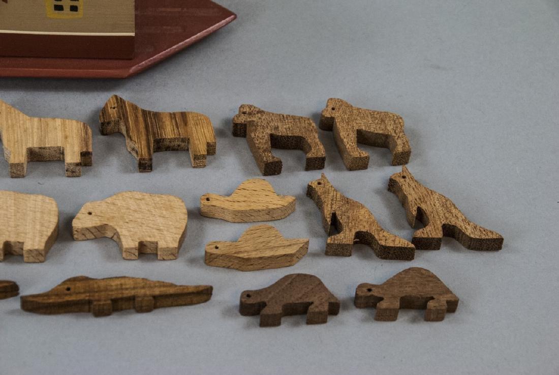 American Folk Art Handmade Noah's Ark w Animals - 4