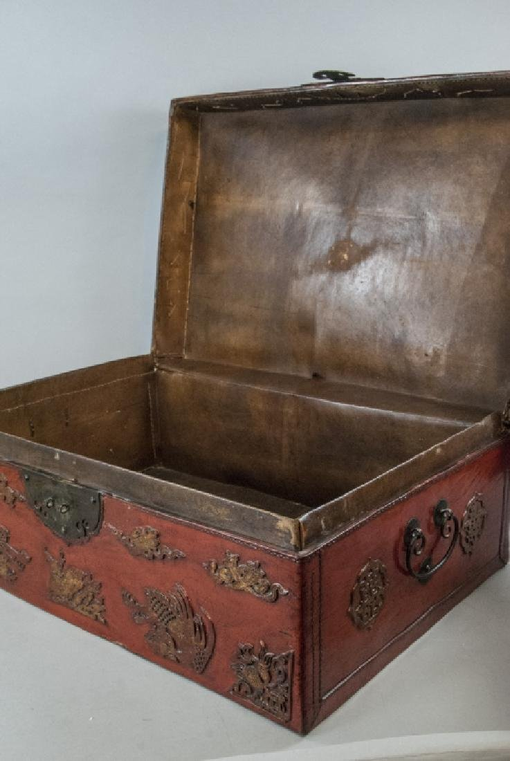 Antique Chinese Red Lacquered Leather Suitcase - 8