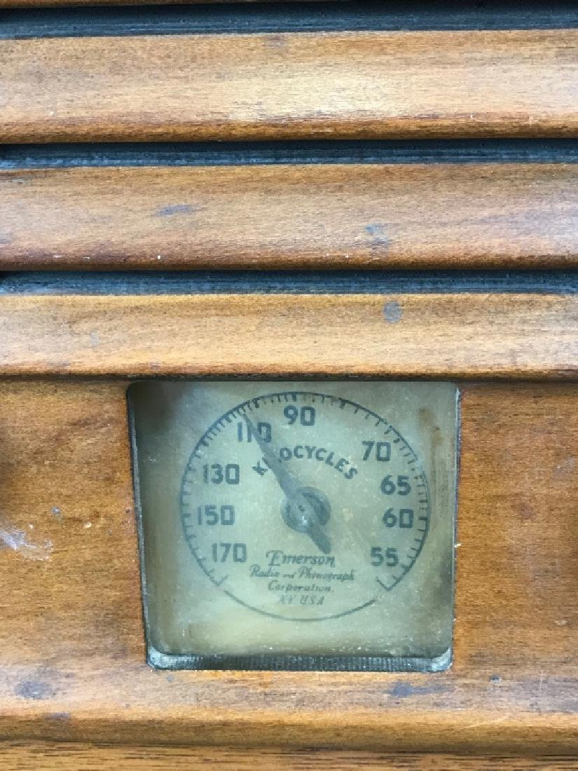 Vintage Emerson Wooden Tube Radio - 2