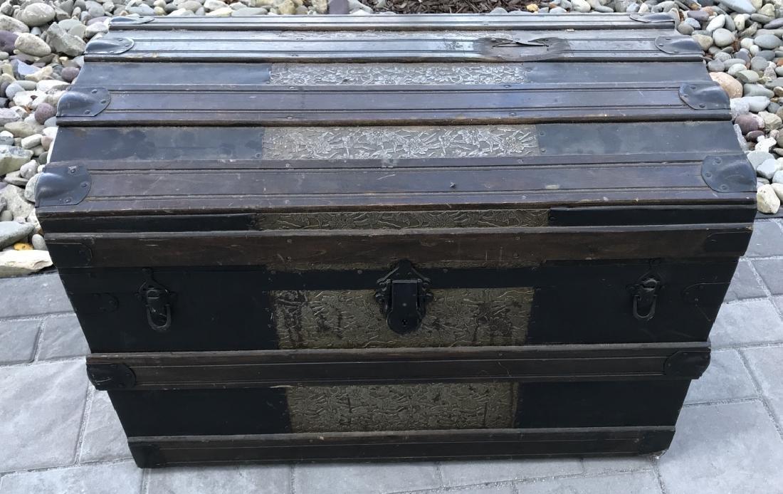 Antique PT Dugan & Co Hammered Metal Steamer Trunk - 10