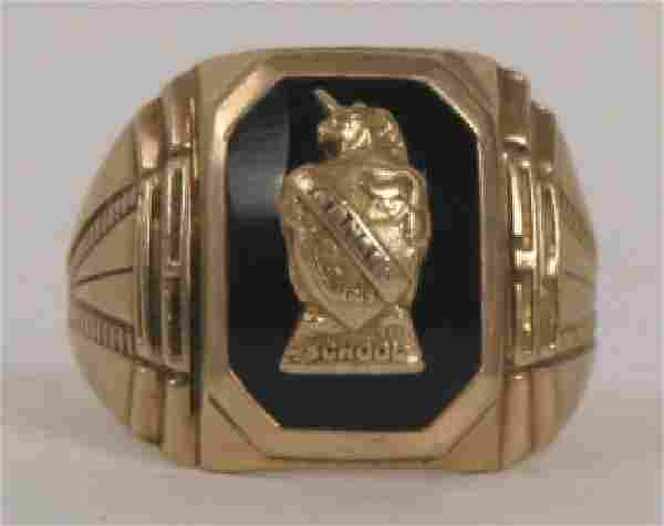 Vintage 10kt Yellow Gold & Onyx Signet Ring