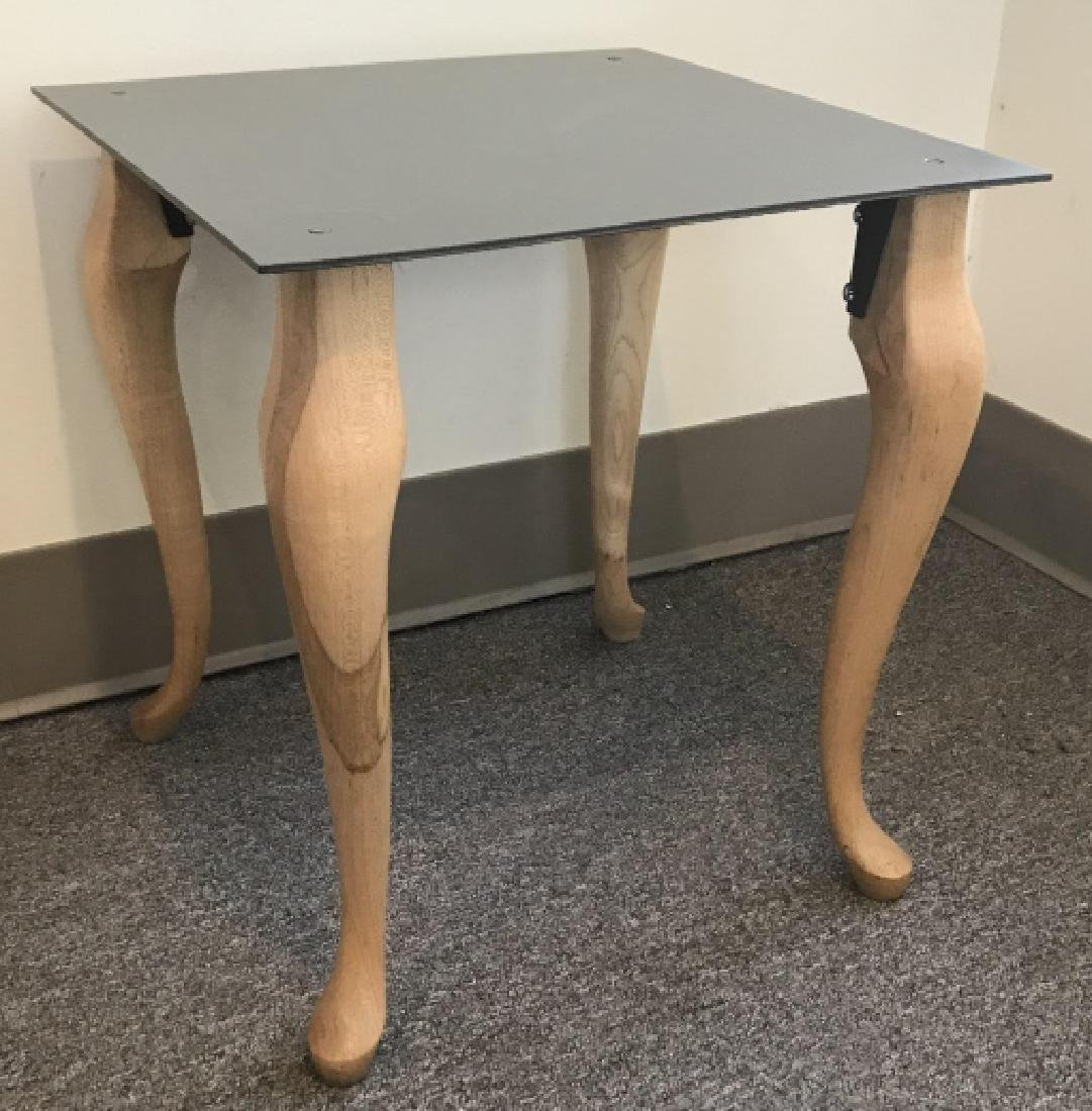 Contemporary End / Side Table W Cabriole Legs