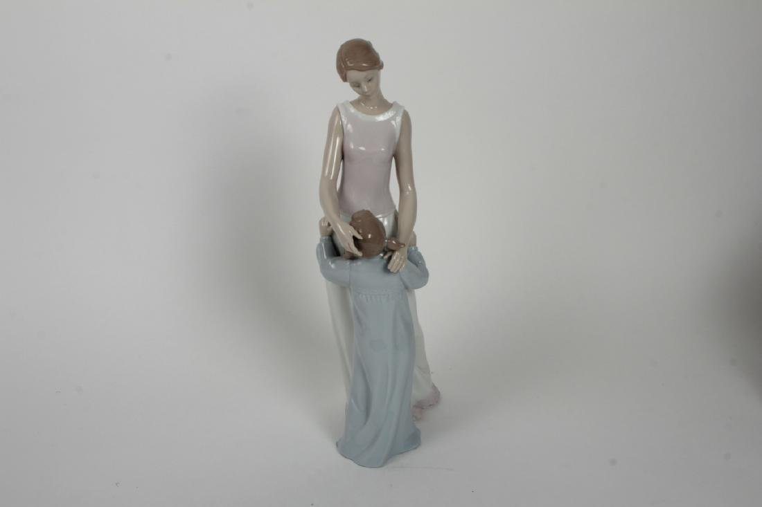 Lladro Spanish Porcelain Mother + Daughter #6771 - 3
