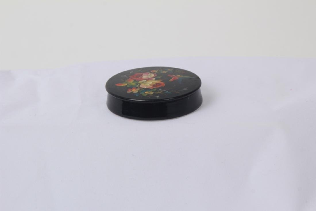Hand Painted Russian Lacquer Snuff or Pill Box - 8
