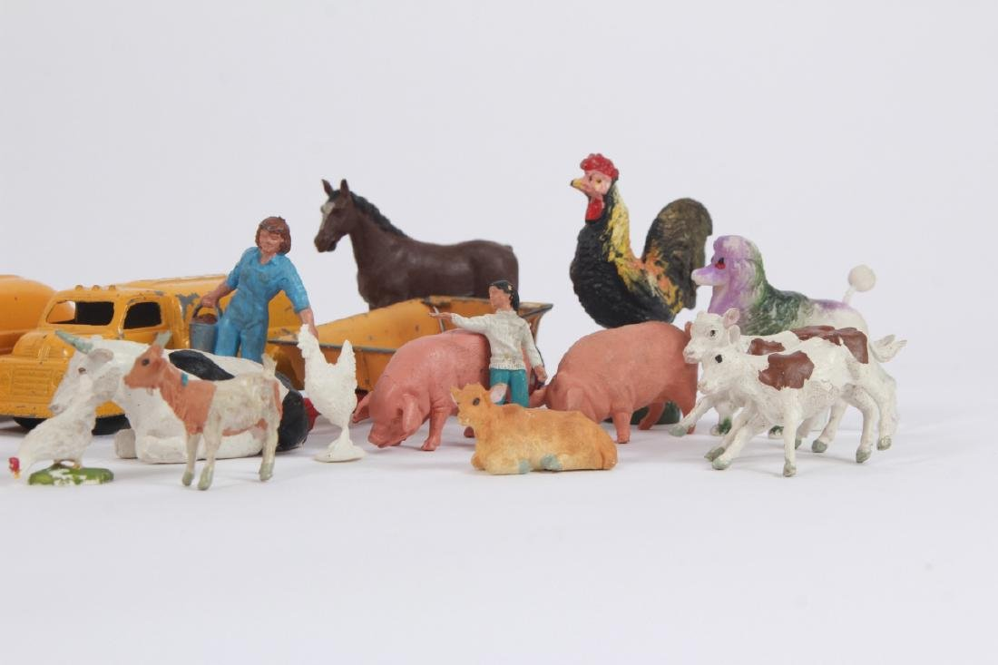 Antique Vintage Toys Britains Figures & Tootsietoy - 7